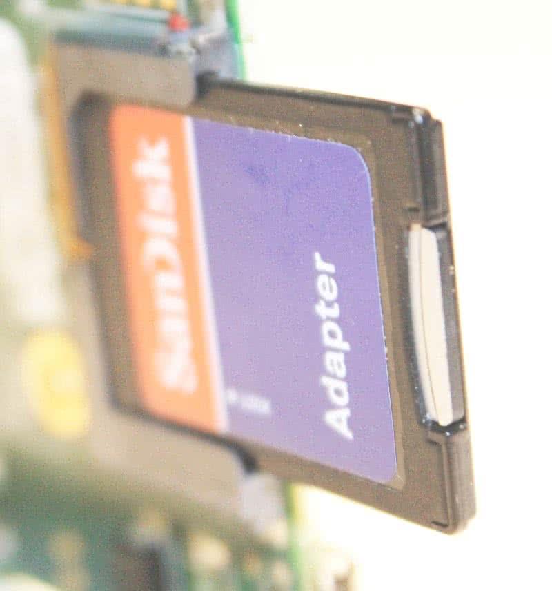 Micro SD-Adapter für den SD-Slot.